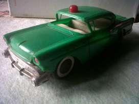 Auto antiguo de juguete