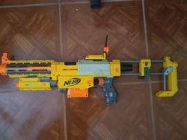 Arma nerf recon de juguete. casi sin uso. Con todas las partes. Mira láser y mira visual. Un cartucho. 2 balas