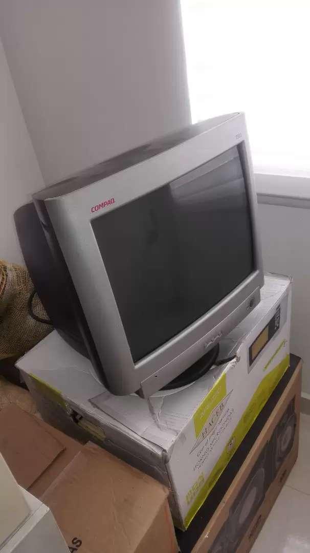 """Monitor COMPAQ 17"""" Usado Color Negro Funcionando correctamente 0"""