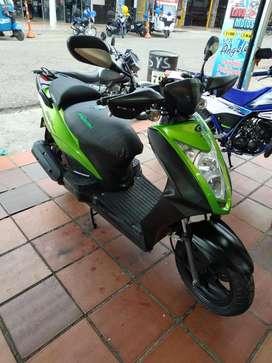 Moto agility verde esmeralda modelo 2013 en buen estado