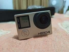 Go Pro Hero 4 Black 64G más accesorios