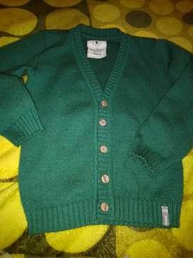 Ropa de niño suéter talle 5...