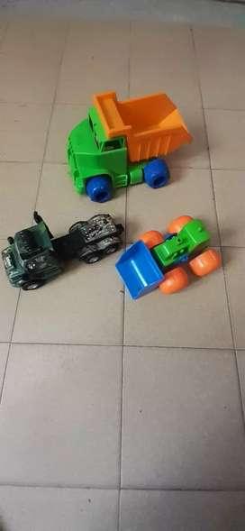 Lote de camiones y tractor Mega Price