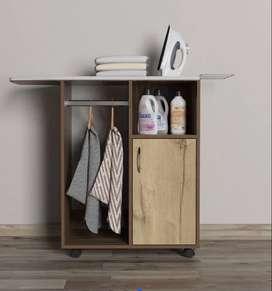Mesa de planchar y mueble
