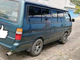 Se vende toyota hiace 2002 manual
