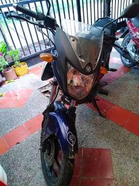 Se vende moto szr 2016