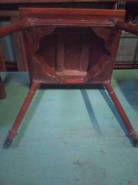 Mesa con 2 sillas para niño