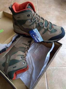 Botas trekking waterproof (impermeables) - Sin uso - Talle 45
