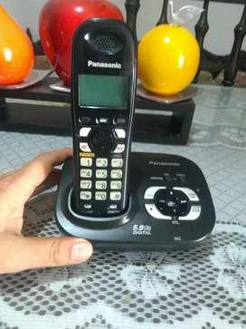 Teléfono inalámbrico Panasonic con contestadora y grabadora de mensajes
