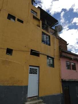 Casa de Tres Piso Rentable