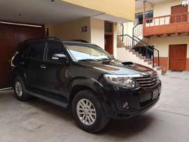 Toyota fortuner  SRV 4x4 año 2015