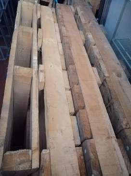 Estibas de madera tipo pesado.   15.000 cada una.