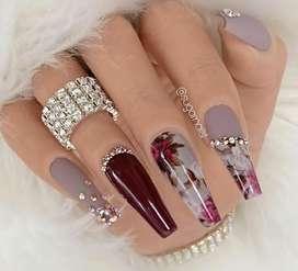 Especialista en uñas