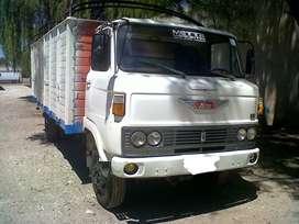 Imperdible!! Vendo camión Hino (Toyota) única mano, vigía motor, excelente estado.