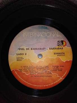 TRES DISCOS LP Y CINCO SENCILLOS  CON MUSICA DE VARIOS GENEROS, $15.000 CADA UNO
