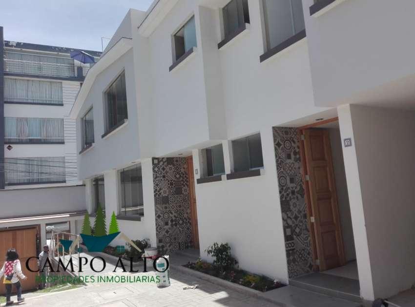 Vendo Casa Yanahura de Estreno, posee 2 cocheras y acabados A1 0