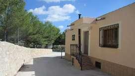 Se hacen trabajos de pintura y refacciones de casas techos y albañilería x wasap llamar