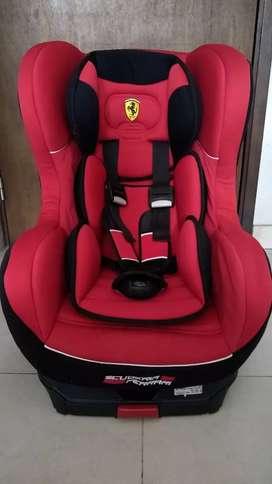 Silla para Auto Marca Ferrari. Usada