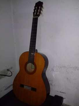 Vendo guitarra excelente estado yamaha c40