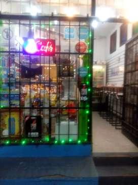 Permutó fondo de comercio en Quilmes maxikiosco con comidas rápidas por camioneta mudancera