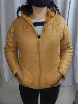 casacas térmicas impermeable con capucha y  peluche en interior