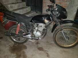 Se vende moto por motivos personales