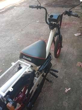 Ciclomotor delivery