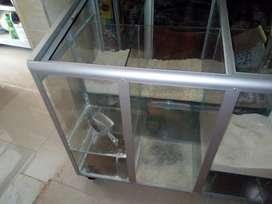 se vende cajo en vidrio para productos de granel