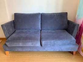 Sofá de dos cuerpos usado