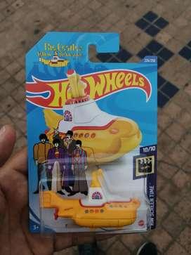 Hotwheels yellow submarine
