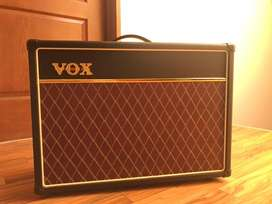 Amplificador de guitarra marca Vox Ac15C1 + tubo el84 sovtek