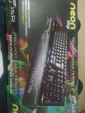 Se vende teclado marca J y R en buen estado
