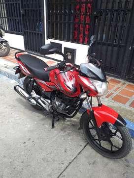 Se vende moto. Discover 100hermoza