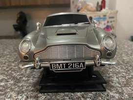 Vendo cambio 007  Aston Martin DB Secret Agent Replica