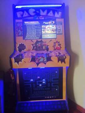Maquina de videojuegos ochentera