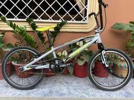Se vende bicicleta bmx Gw