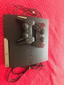 Playstation 3 en buenas condiciones + dos controles + 8 juegos originales