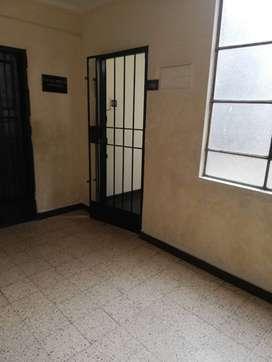 Alquilo Departamento para OFICINA O DEPÓSITO, en Jr Carabaya 1146, 3er piso Dpto. 302