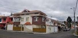 CASA DE VENTA TOTORACOCHA, DE 2 DEPARTAMENTOS, LOZA ENTREPISOS, ESQUINERA, OPCIÓN COMERCIO $188.000 LLAMAR /0994/393692