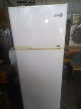 Vendo heladera c/ Freezer  neba