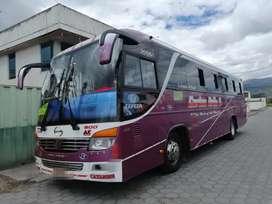 Bus Hino AK 2018 con acciones