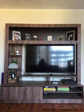 Vendo tv center como nuevo
