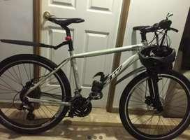 Bicicleta Gw + Accesorios + Casco Y Kit De Despinche
