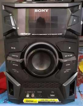 Equipo sony  aux usb radio 230 soles