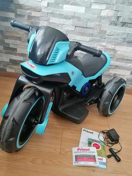 Vendo moto star trek bateria recargable para niños