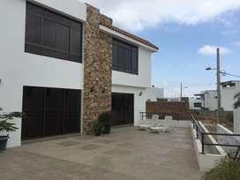 Se alquila casa amoblada en Urb. Altos de Manta Beach, Manta
