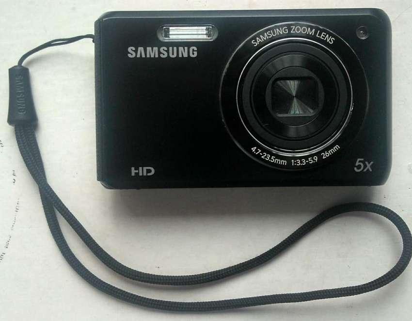 Camara Digital Samsung DV50, doble pantalla. 0