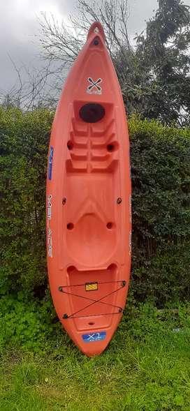 Kayak Blade , con remo y tambucho incorporado