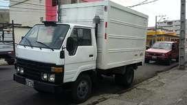 Remato Toyota Dyna con furgon