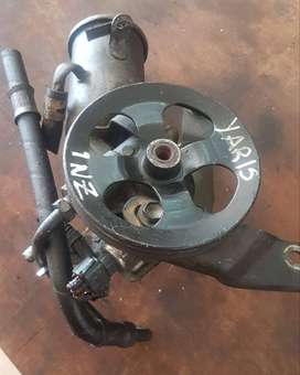 Bomba de power steering de toyota yaris 1nz